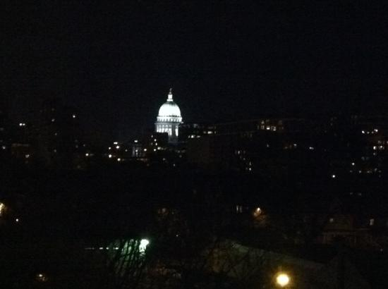 DoubleTree by Hilton Hotel Madison: view of capital from our hotel room
