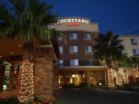 Courtyard by Marriott St. George: Home for the Evening