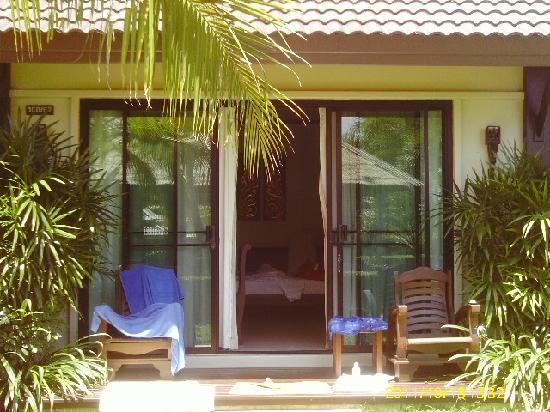 Naiharn Villa Garden: villa