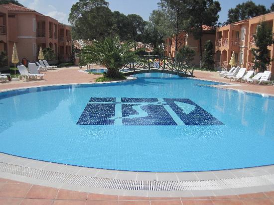 Kustur Club Holiday Village: pisciine calme