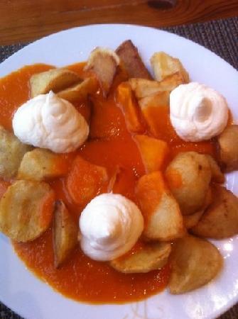 Hotel Don Carlos: patatas bravas
