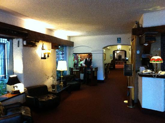 El Condado Miraflores Hotel & Suites: RECEPÇÃO