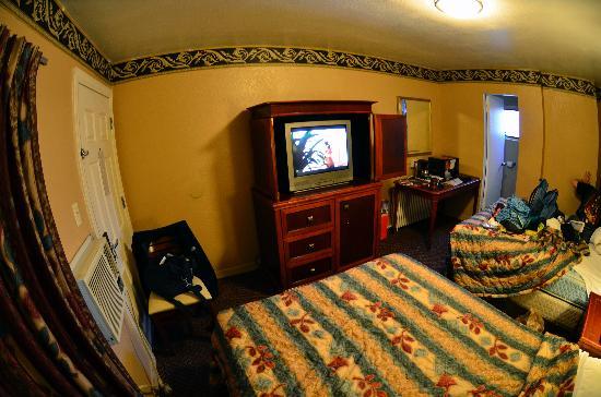 Rodeway Inn Downtown: Room