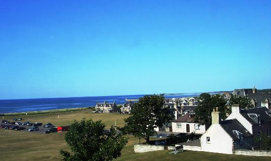 Braeval Hotel: View from bedroom