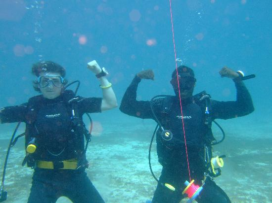 Dive Grenada: our lad and an instructor.