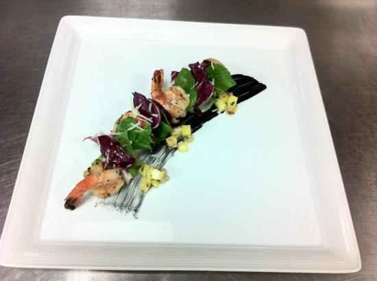 Rolling Hills Hotel: 더 키친 망고 프라운 샐러드