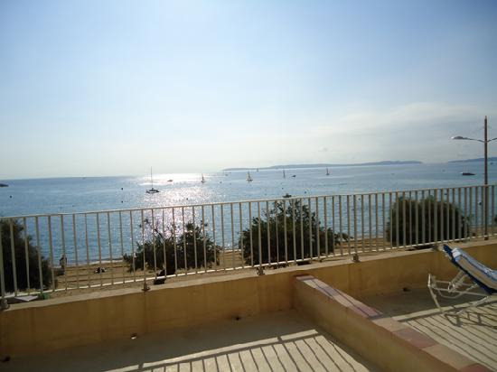 Hotel Beau Rivage : View from our terrace room