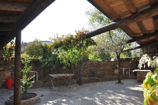 Apartamentos Turisticos Albarcas: Patio compartido