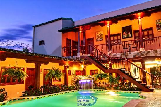 Hotel La Mar Dulce: Pool