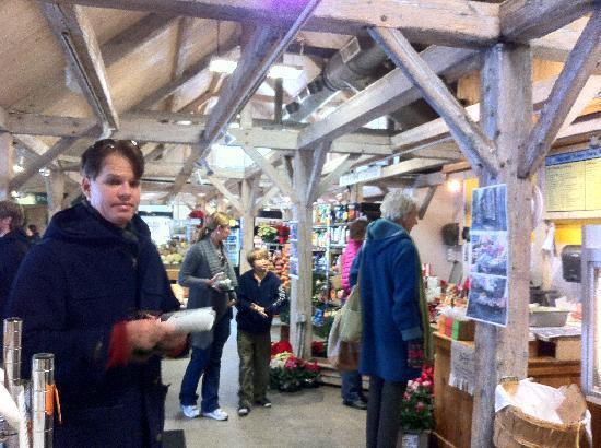 Woodstock Town Crier: My husband Luke getting a sandwich from the Woodstock Farmer's Market
