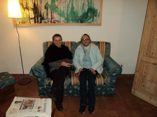 Borgo al Cornio B&B: HALL ANTONELLA E MIRTA