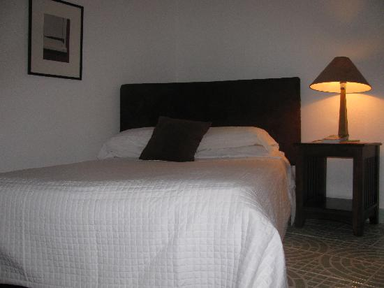 La Marejada Hotel: Very Comfortable Beds with Fresh Linens