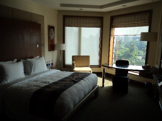 โนโวเทล มุมไบ จูฮู บีช: Inside view of room
