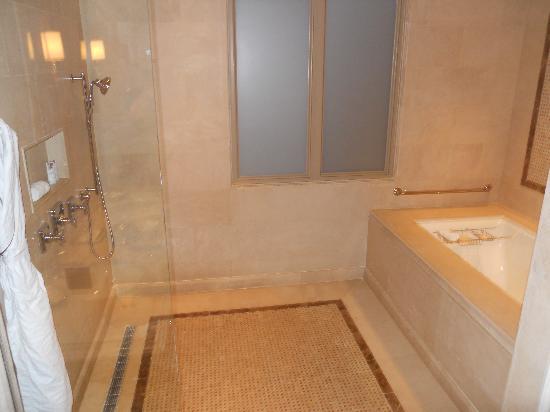 The St. Regis Bahia Beach Resort, Puerto Rico: Master Bath