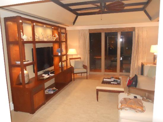 The St. Regis Bahia Beach Resort: Living Room