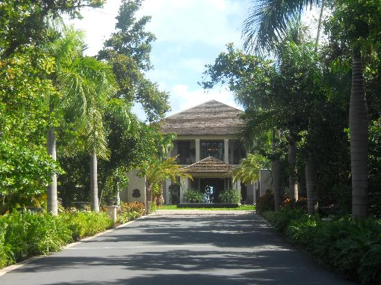 The St. Regis Bahia Beach Resort: Main House Entrance