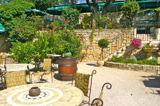 Le jardin cannes picture of restaurant le jardin cannes for Restaurant le jardin mazargues