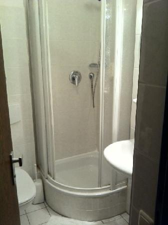 Novum Hotel Leonet Köln Altstadt: bathroom
