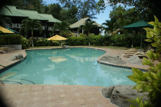 Acajou Beach Resort: pool