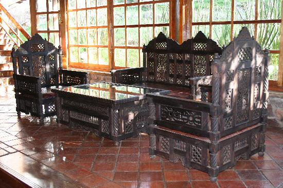 Seronera Wildlife Lodge : Zanzibari furniture in the lobby