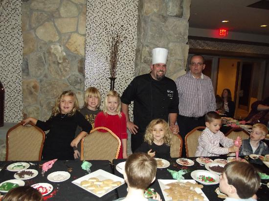 Hotel Indigo Long Island - East End: Holiday Cookie Decorating with Chef