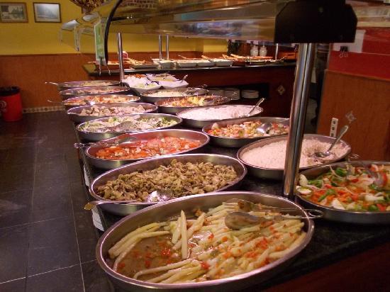Las Palomas Buffet & Tapas : Offerta self-service