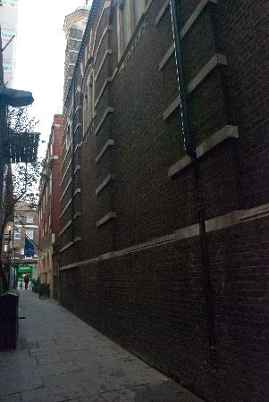 Old Bloomsbury: Small alleys