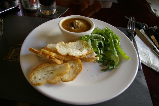 Hennessy's Irish Pub: Chicken Live Paté with a touch of cognac