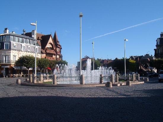 Ibis Deauville Centre : Deauville town centre