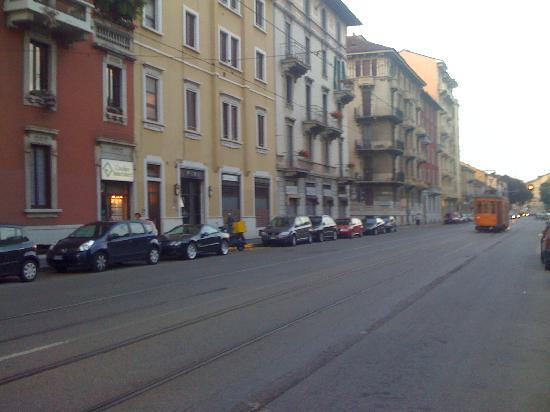Aspromonte Hotel: Tram near Piazza Aspromonte
