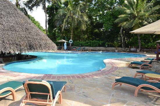 Pinewood Beach Resort & Spa: la piscine