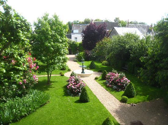 Le Vieux Manoir: Garden