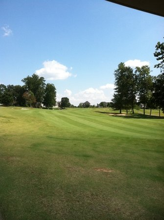 Salem Glen Golf & Country Club