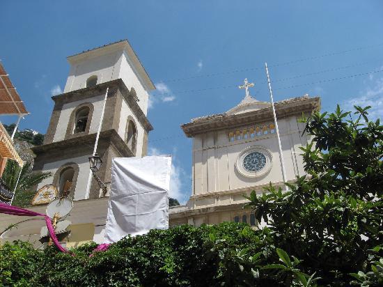 Chiesa di Santa Maria Assunta e Cripta Medievale: Facade