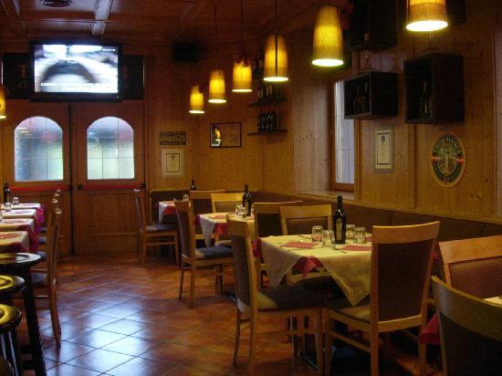La Moretta : sala piano terra