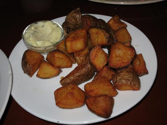 La Guernica: Spanish potatoes