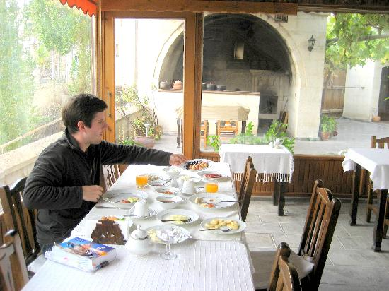 Aravan Evi Boutique Hotel: A great homemade breakfast was included