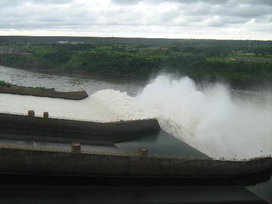 Itaipu Hydroelectric Dam: caidas