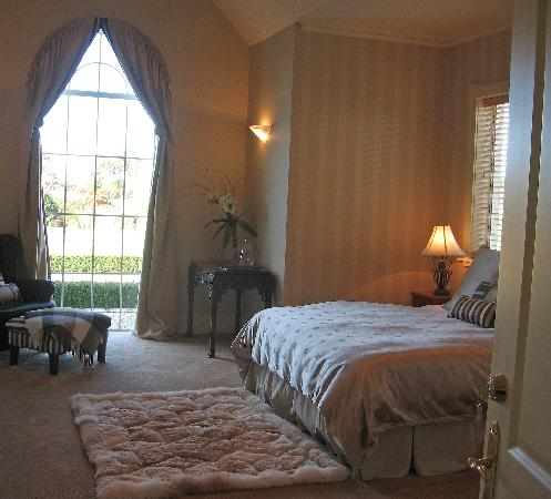 Stoneleigh Lodge: Lake View Room