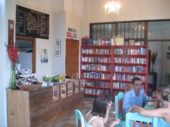 Cafe Juanita: Fun