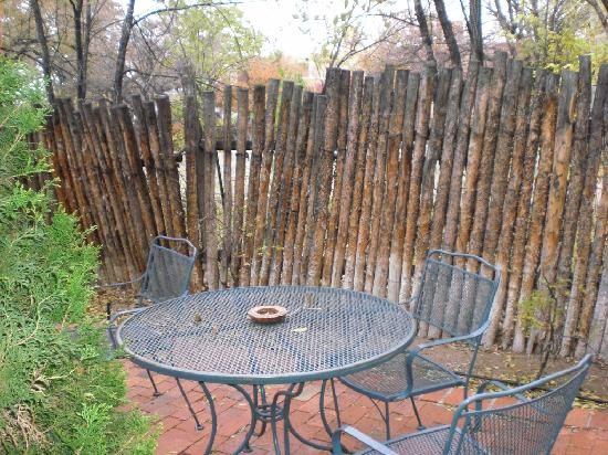 Las Brisas de Santa Fe: Las Brisas - U25 - back patio