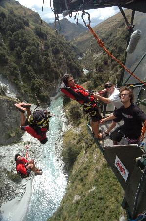 Shotover Canyon Swing & Canyon Fox: Doing as many flips as possible