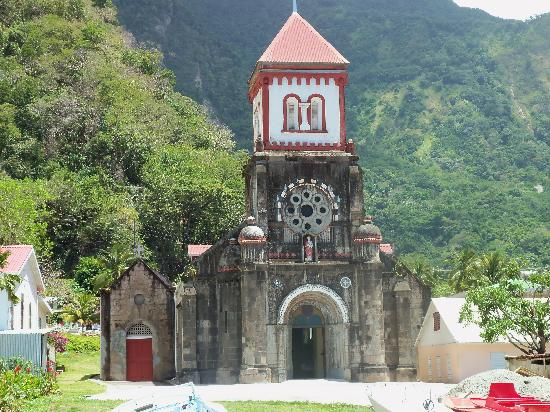 La Grenade : Very old church right on the beach