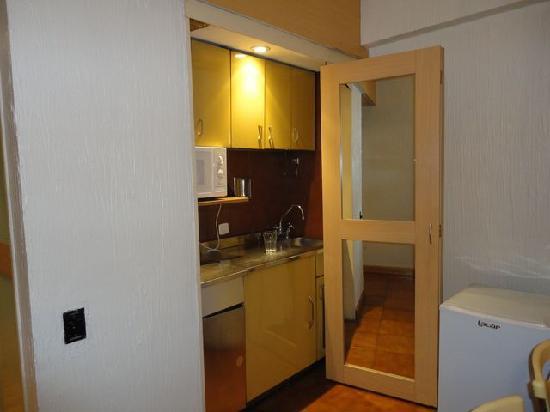 Bauen Suite Hotel : Mini cocina