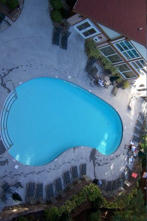 Holiday Inn Club Vacations Smoky Mountain Resort: Outdoor pool/ hot tub on bottom right