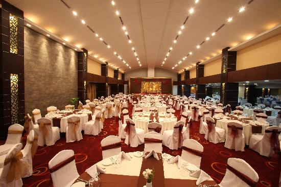 Dhaka Regency Hotel & Resort : Celebration Hall