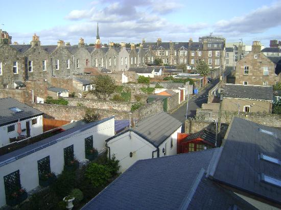 Queens Guest House: View from Our Window