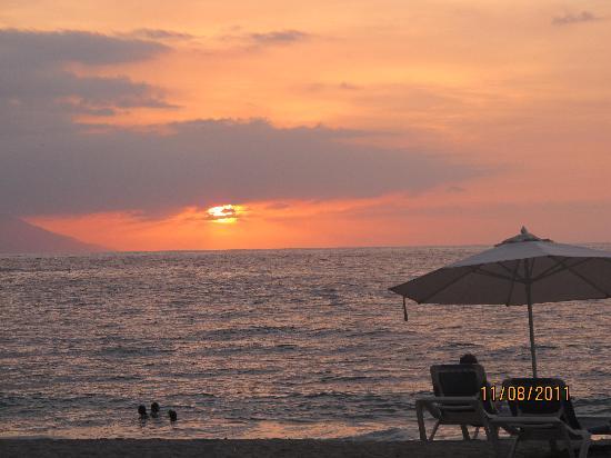 Playa Los Arcos Hotel Beach Resort & Spa : a typical sunset  at the Playa