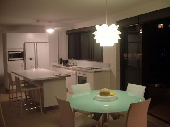 Warringa Surf Apartments: Kitchen - 2 Bedroom Luxury