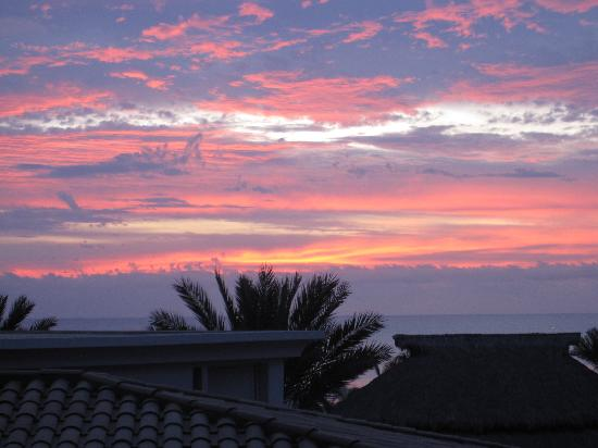 Cabo Azul Resort: sunrise from our partial-oceanview balcony